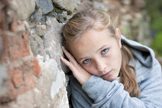 صورة حزينة جدا ل طفلة جميلة