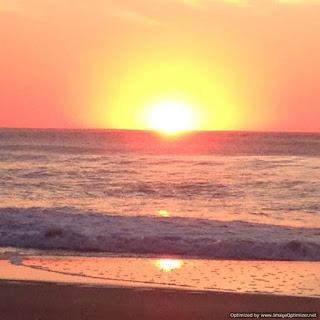 un amanecer en playas de Cariló