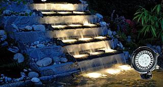 lampu LED pada kolam koi
