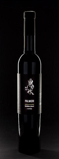 Palmieri Refoškov desert z vanilijo črna steklenica na črni podlagi