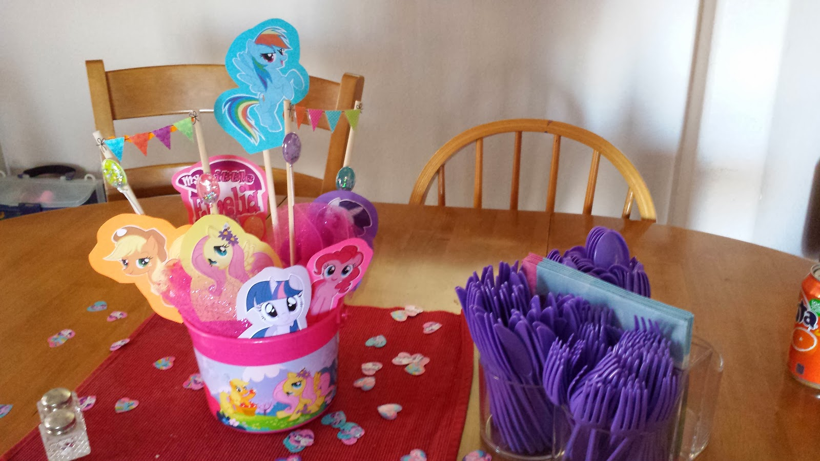 My little pony birthday party crafts - One I Used A Mlp Bucket Available At Partycity Com The Other Items Are Photos That I Printed Off The Internet And Cut Out And Matted Then Added Some