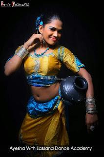 Ayesha madushani deep navel
