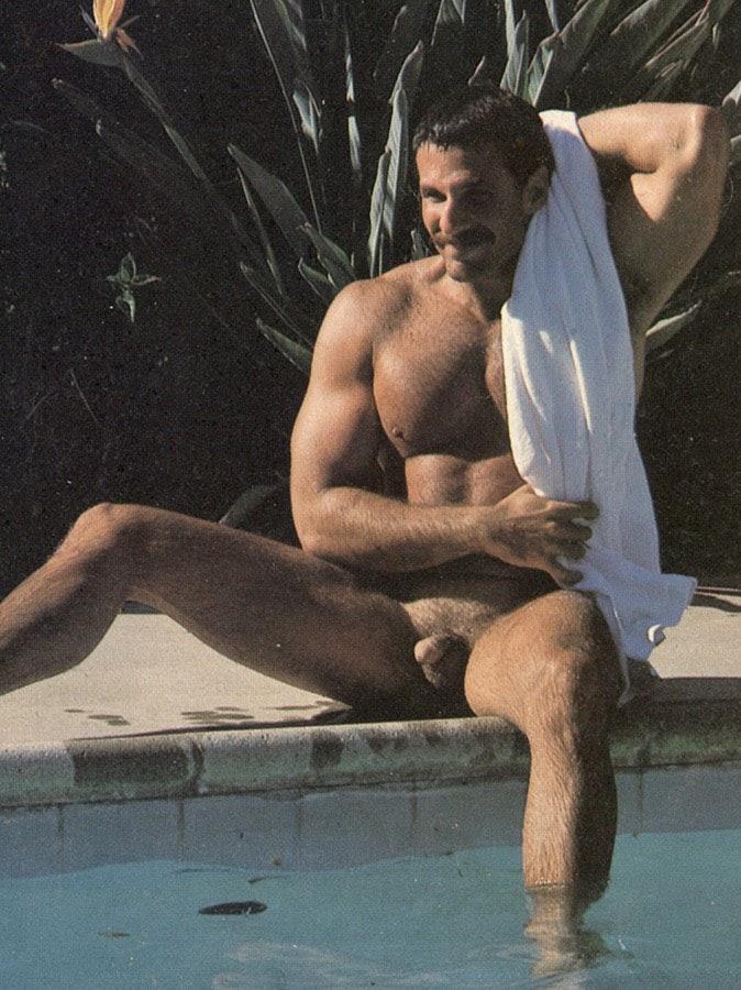 gay man nude site