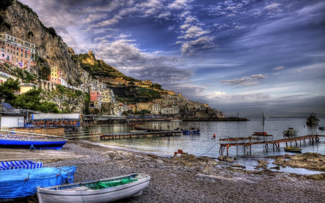 http://1.bp.blogspot.com/-RmGIaSRnbqM/T93Kh6KmXFI/AAAAAAAAEzw/7jPb5if0A_I/s1600/Amalfi_Italy.jpg