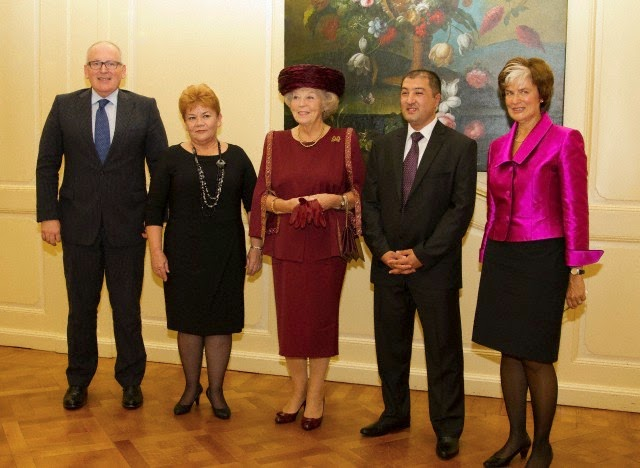 ) Mr. Frans Timmermans, Foreign Affairs Minister of the Netherlands; Valentina Gritsenko, Director of human rights NGO Spravedlivost; HRH Princess Beatrix; Utkir Dhzabbarov, Senior Lawyer of Spravedlivost and Astrid Thors, OSCE High Commissioner on National Minorities attends the Max van der Stoel Award ceremony in The Hague on 02.10.2014