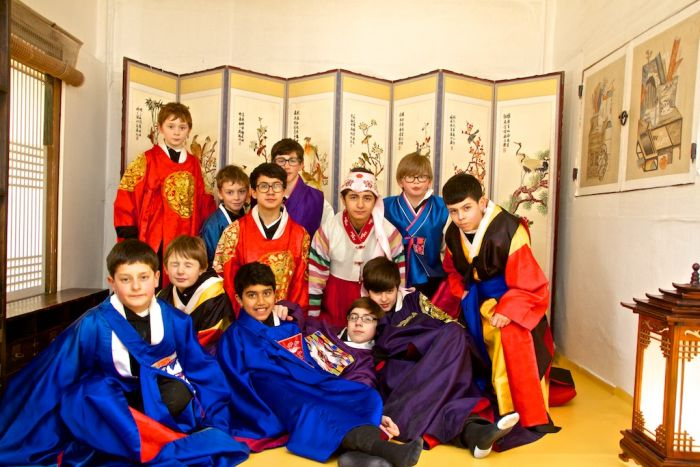 Libera boys wearing Korean traditional clothes