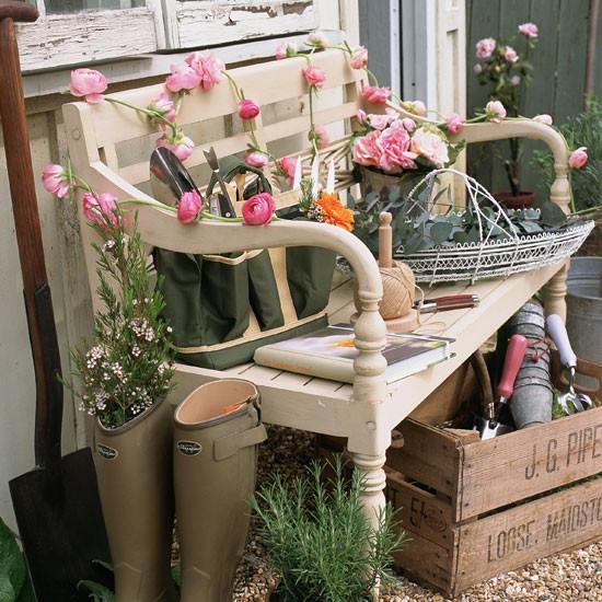 ideias jardim exterior:Quando um jardim é pequeno pode ser um espaço muito interessante