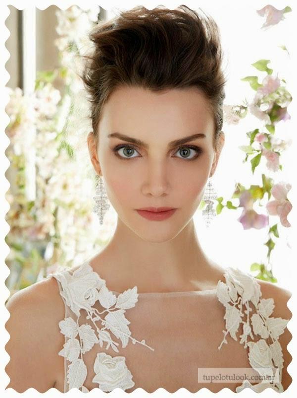 peinados 2015 para novias tupe