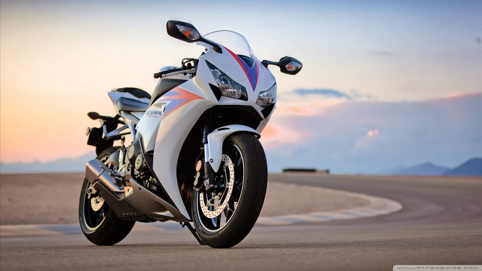 cars and bikes Cars & bikes free online jigsaw puzzles on thejigsawpuzzlescom play full screen, enjoy puzzle of the day and thousands more.