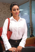 Poorna latest Glam Pics from Nuvvala Nenila Movie-thumbnail-20