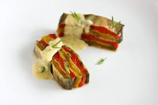 vegán vegetáriánus padlizsán kaliforniai paprika terrin lasagne fokhagyma krém koriander mag római kömény mustár vinaigrette öntet tárkony