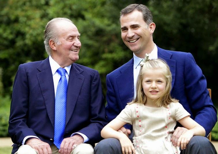Král Juan Carlos, princ Felipe a jeho dcera infanta Leonor (2012)