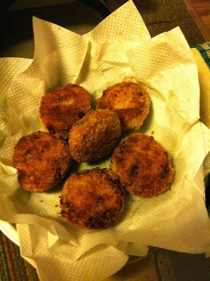 Chicken cutlets - Ammachiyude Adukkala