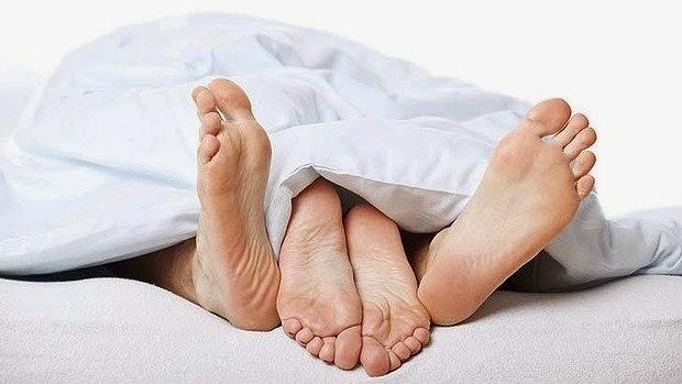 http://1.bp.blogspot.com/-Rnxc-YF4ySA/U3bg8kMVACI/AAAAAAAABIw/EULLdf0IqJI/s1600/d54d7c30-cdfa-11e3-bc71-6b34df1ba46d_morning_sex.jpg