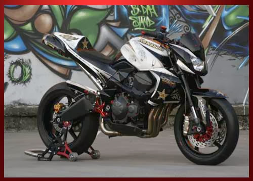 Tampang Maco Modifikasi Ninja 250 Streetfighter title=
