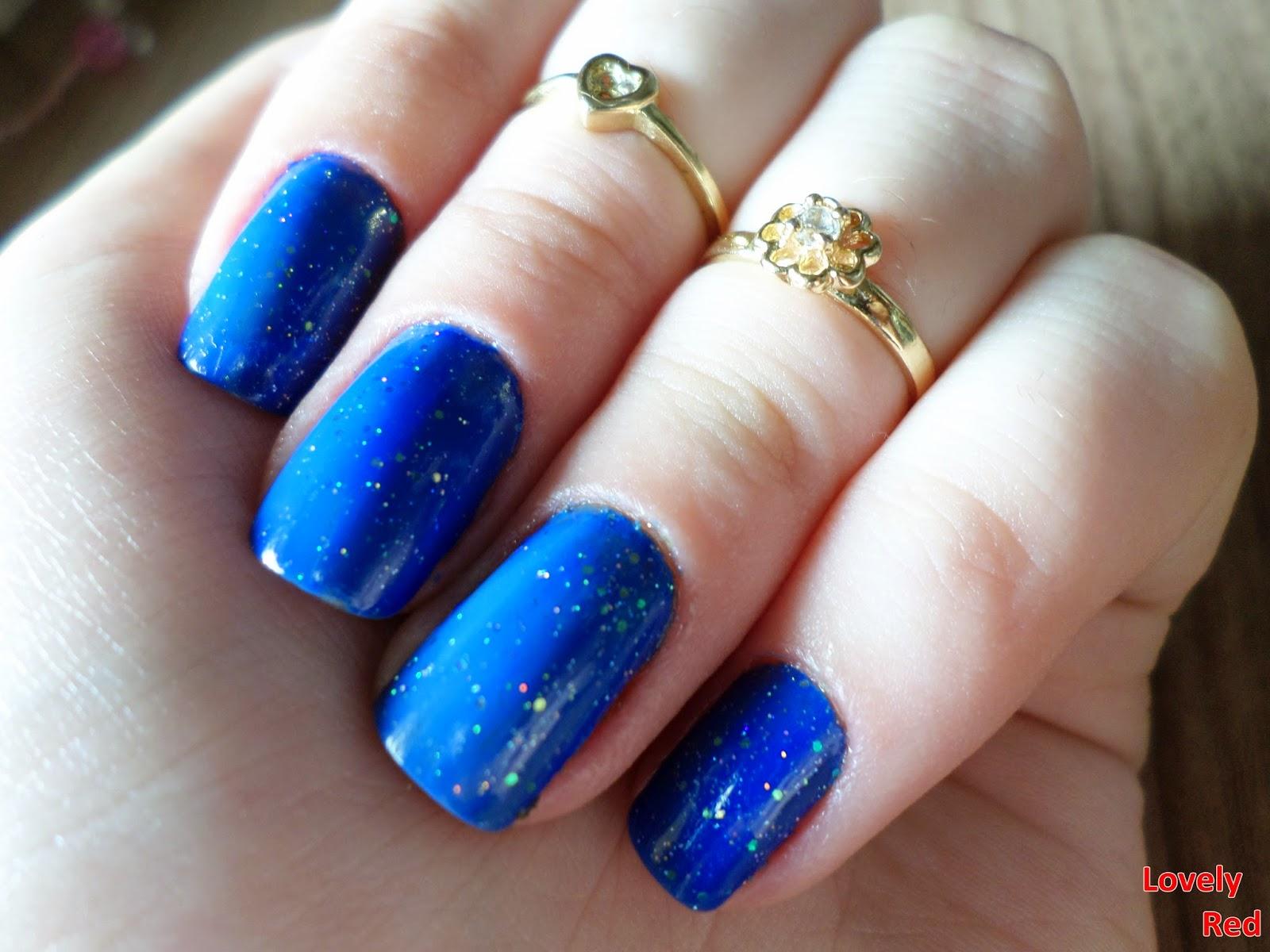 Esmalte da vez: Calafrio Azul, Saloon + Nuvem de paete, Risqué