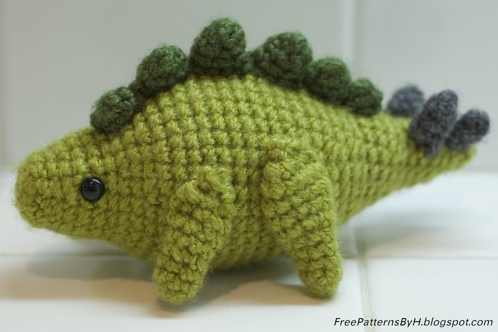 Free Patterns by H: Stegosaurus Amigurumi
