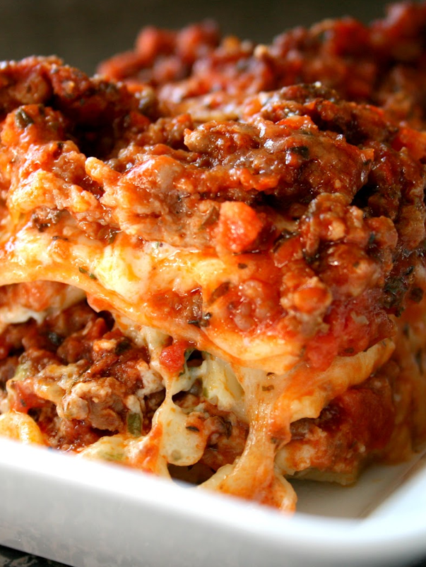 Scrumpdillyicious: Superbowl Sunday: The Ultimate Lasagna