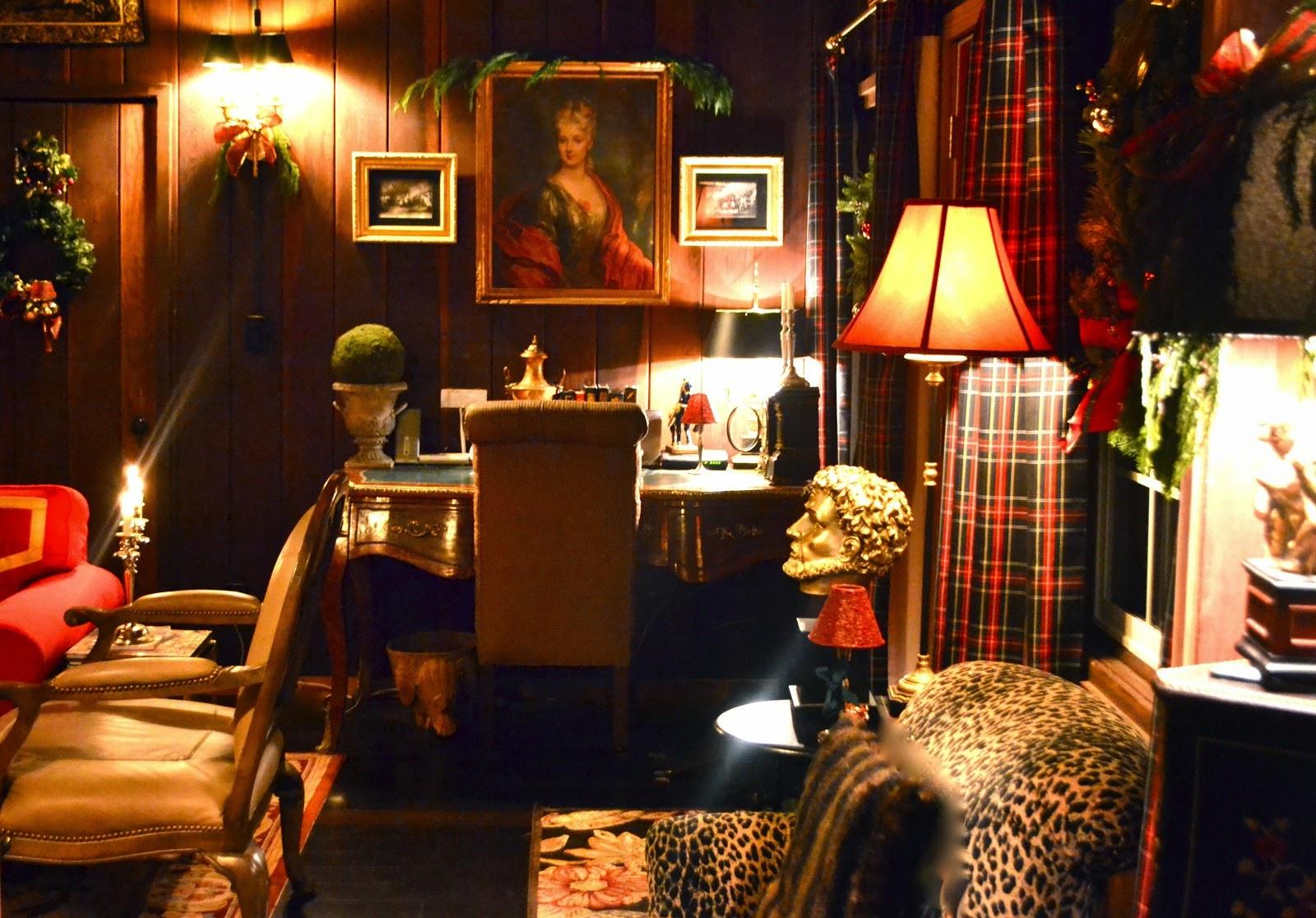 Christmas cabin interior - Christmas Cabin Interior