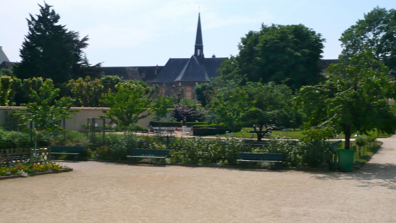 Ma poussette paris jardin catherine labour croquer for Le jardin de catherien