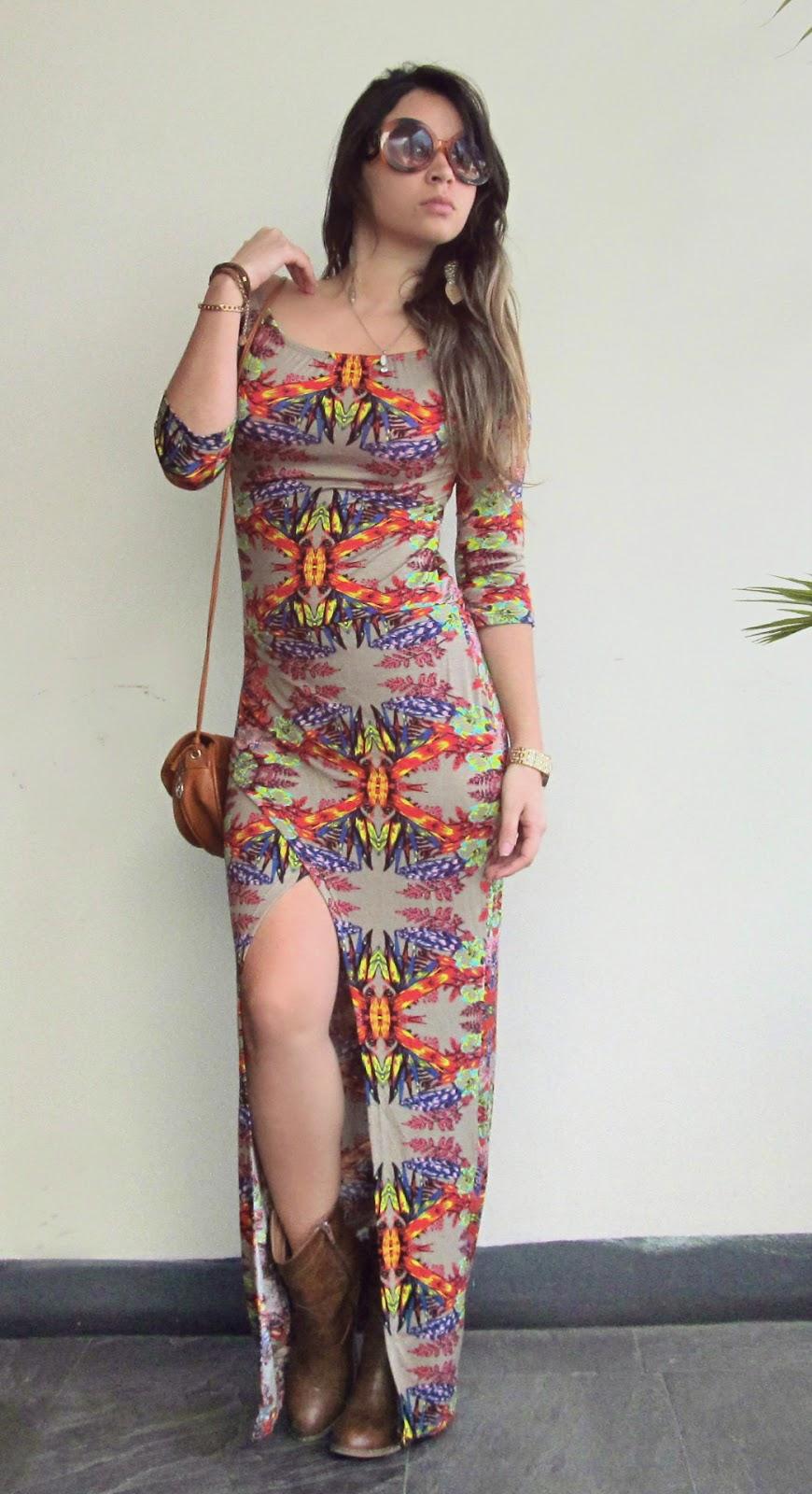 Botas con vestido largo