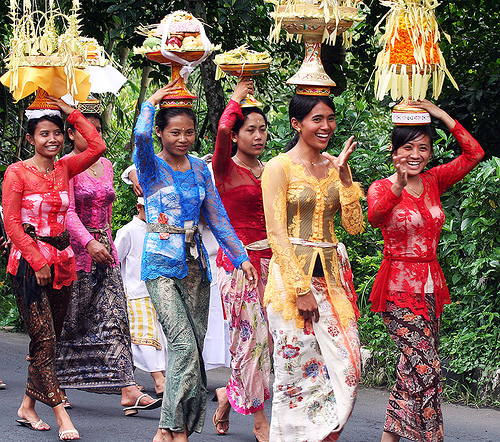 What Is Bali's Traditional Dress?