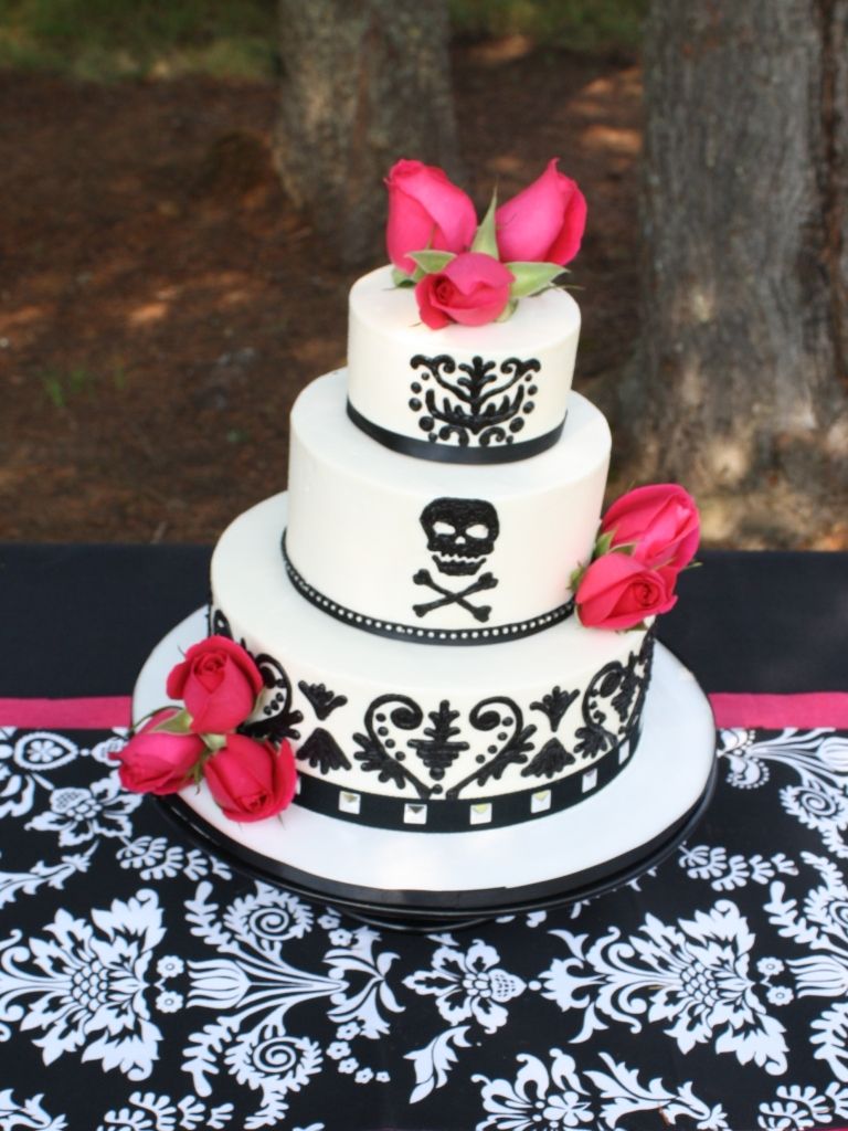 Party cakes black and white wedding cake quot biker elegance quot