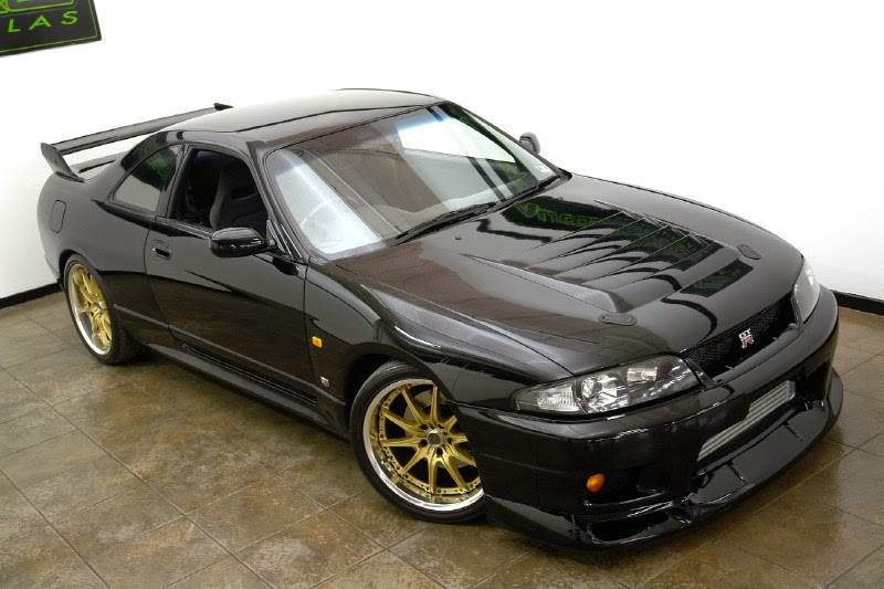 Modifikasi Nissan Skyline R33