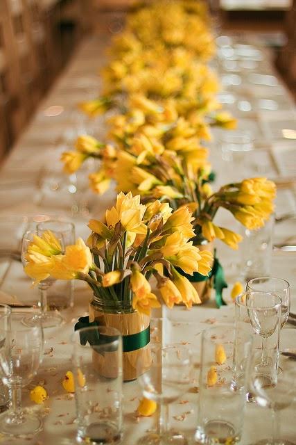 Memorable wedding spring theme daffodils
