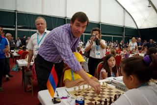 Echecs à Albena : le Bulgare Silvio Danailov lance le Championnat d'Europe Jeunes © Site officiel