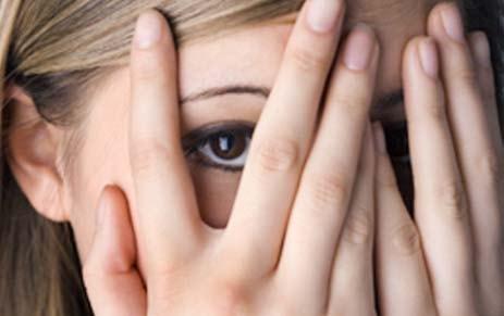 cara memikat hati wanita pendiam