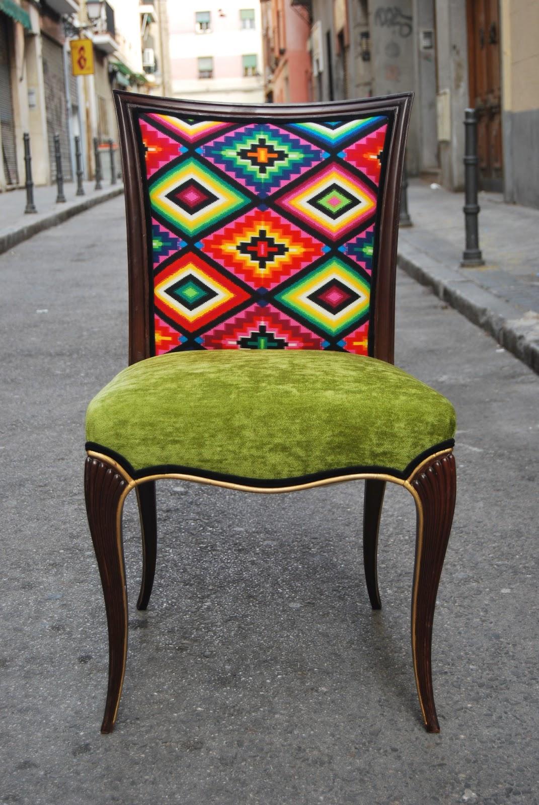 La tapicera sillas tapizadas con tela de motivos mejicanos for Modelos de sillas tapizadas modernas