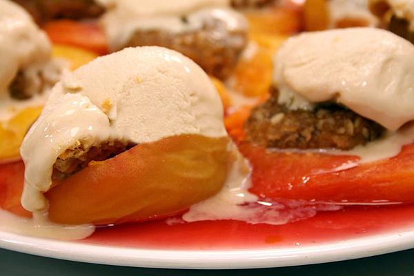 Oktay Usta  Dondurmalı Şeftali Tatlısı Tarifi Yeşil Elma