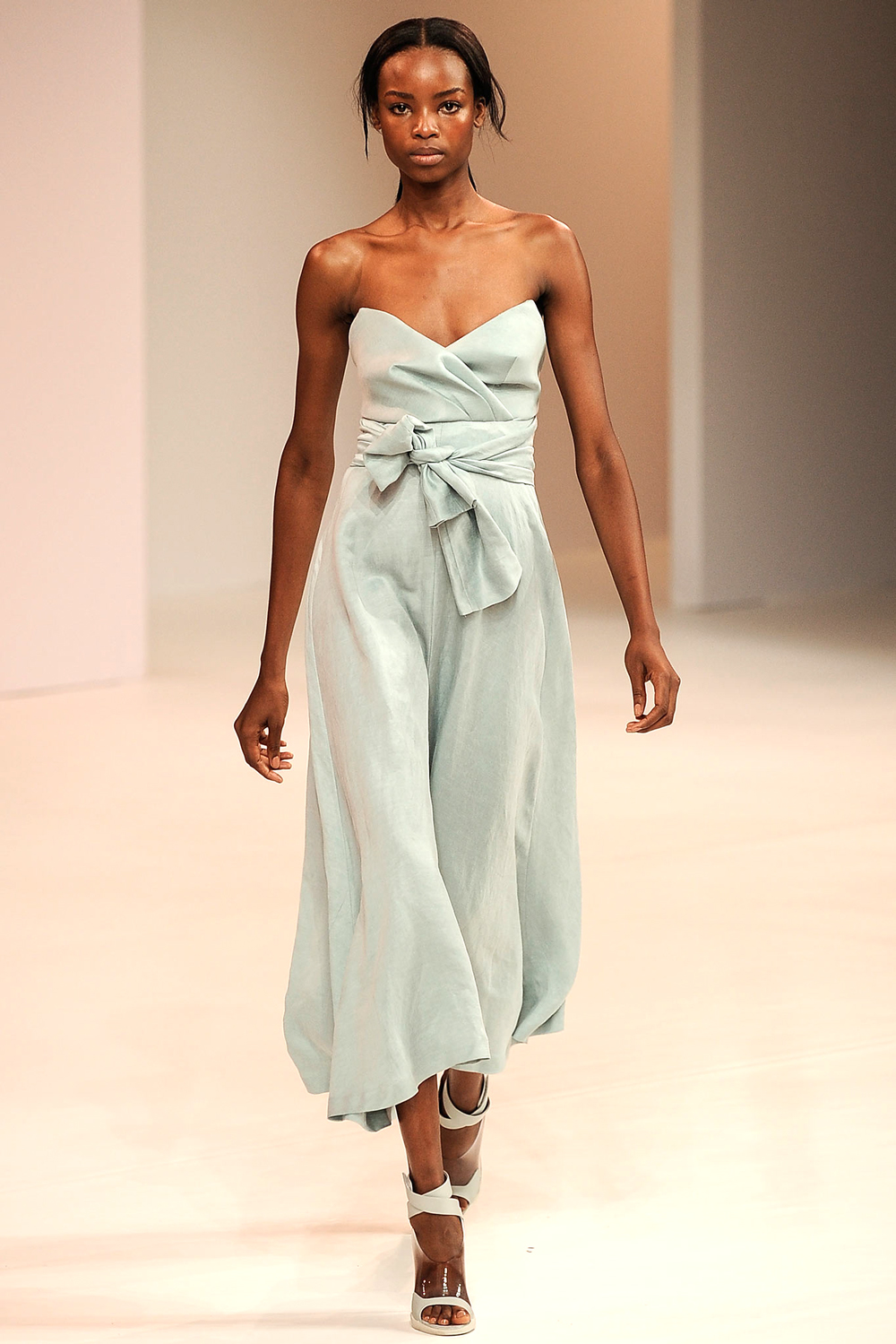 Pantone Colour Report Spring 2015 trends / aquamarine / how to wear aquamarine / outfit ideas / fashion collections S/S 2015 / Porsche Design Spring 2015 / via fashioned by love british fashion blog