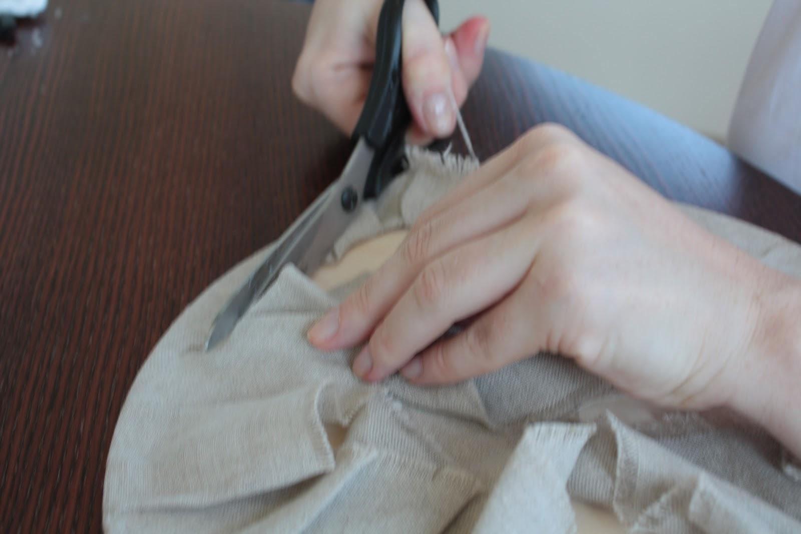 Отверстие на ткани. Отверстие в ткани как сделать? Выполнение 22