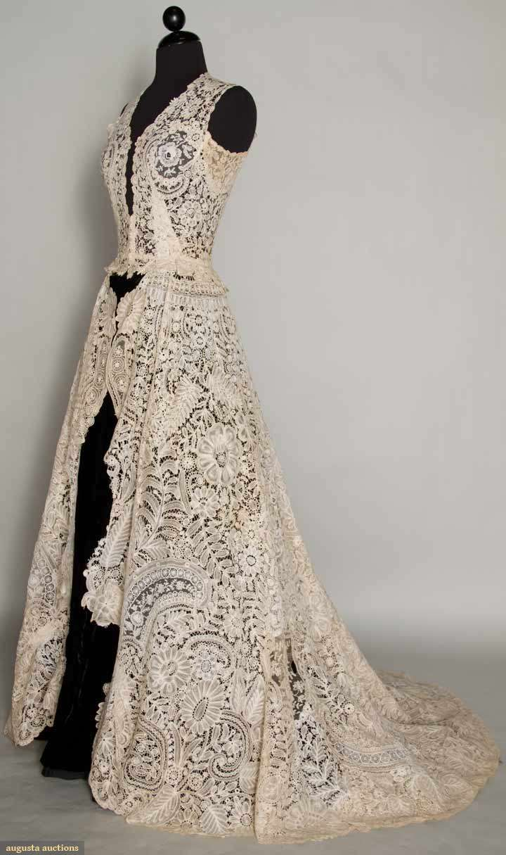 Vintage lace wedding dress wedding dress for How to lace up wedding dress
