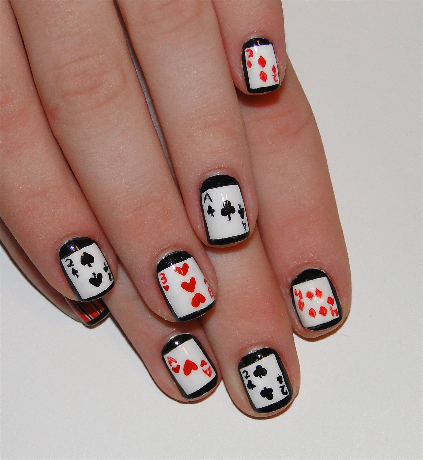 Nail Design With Cards: Off with their heads queen of hearts nail ...