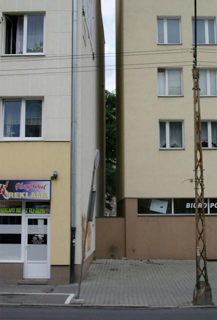 narrowhouse08 أضيق بيت في العالم '' من تصميم جاكوب سزيسني '' في بولاندا