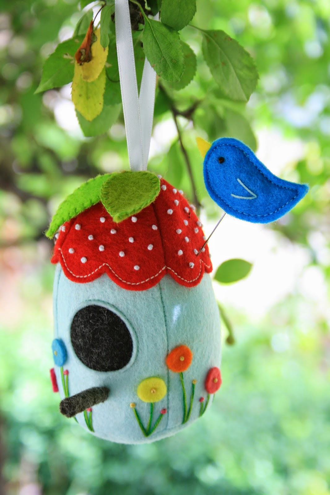 bird house pin cushion