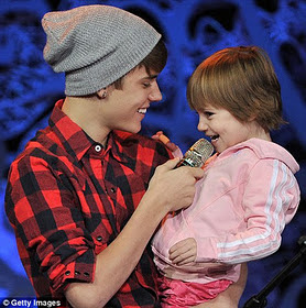 Family Time: Justin Bieber Shares The Stage With His Toddler Sister, Jazmyn 1