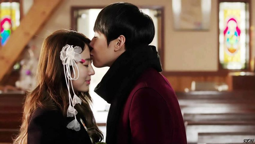Jung Young Hwa Surprises The Innocent Park Shin Hye When He Kissed Her In  Youu0027re Beautiful