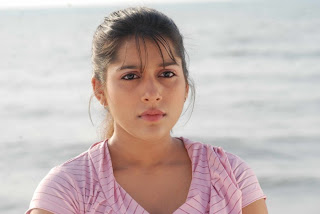 Rashmi Gautam cute face closeup movie stills