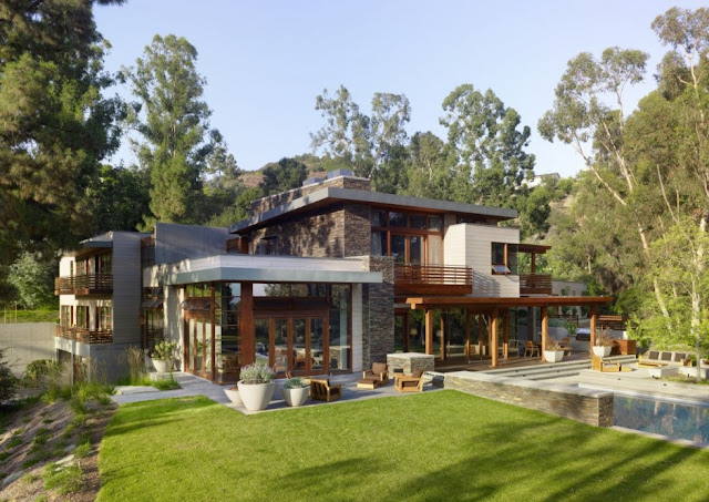 Modern dream home design for Mandeville Canyon Residence