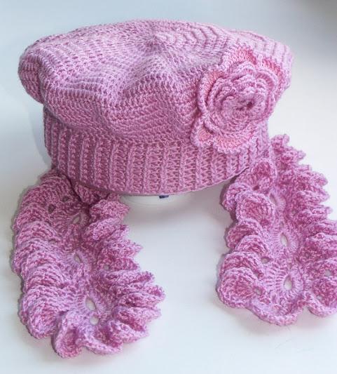 Берет с шарфиком крючком для девушки