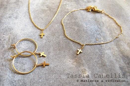 bijoux Tassia Cannelis collier bracelet bucles croix doré