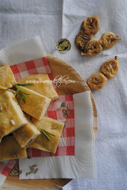 schiacciata-con-olio-oliva