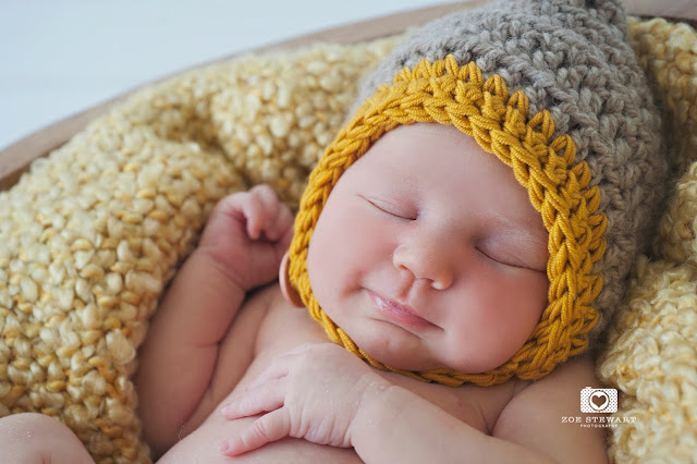 Newborn, photographer, edinburgh, female, studio, posed, natural, light, musselburgh, fife, dundee, london, glasgow, east lothian, sleeping, taco, headband,