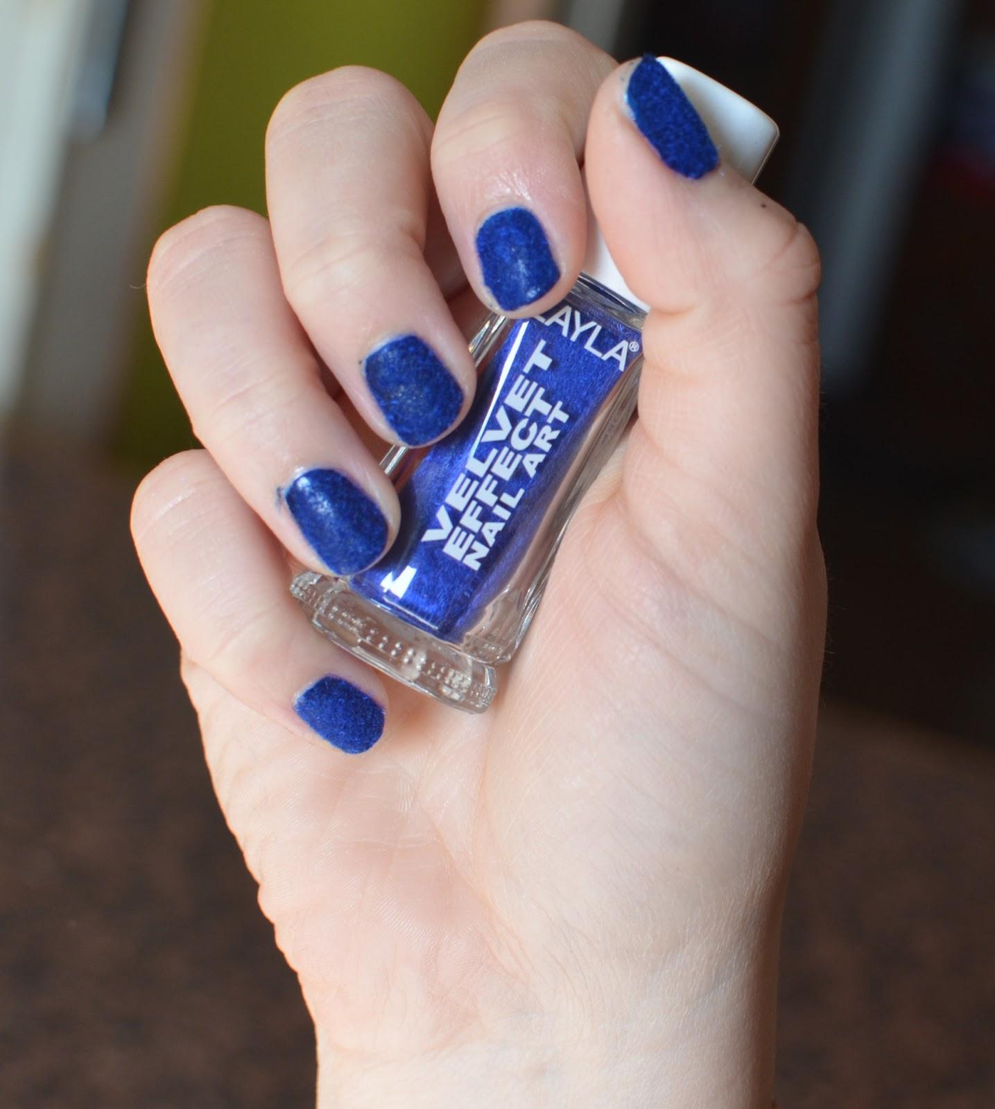 Recensendo: Layla Velvet Effect Nail Art