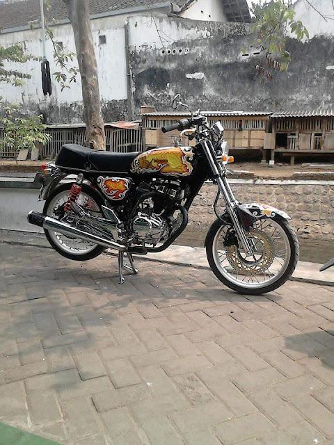 Foto Modifikasi Honda CB Kinclong