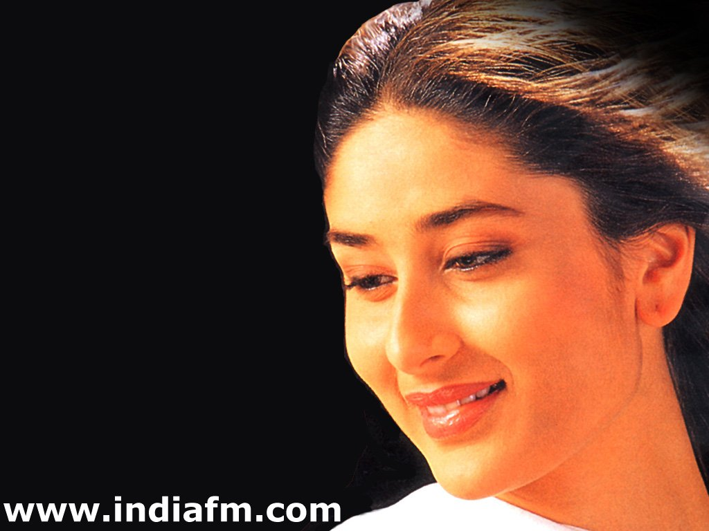 Kareena Kapoor face close up Wallpapers